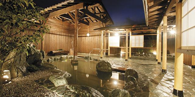 月の石(岩露天風呂)